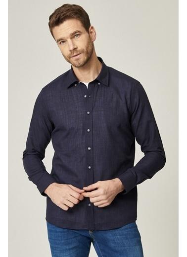 AC&Co / Altınyıldız Classics Tailored Slim Fit Dar Kesim Düğmeli Yaka %100 Koton Gömlek 4A2021100150 Lacivert